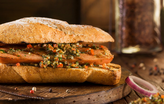¿Sabías que el choripan argentino fue nombrado uno de los mejores sandwiches del mundo? - Easy Español